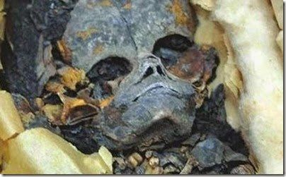 Egypt, new mummified alien founded in a secret room